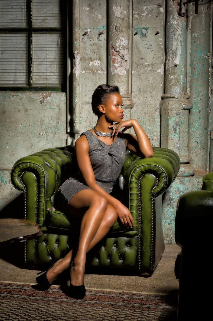 Model: Whitney; MUA(H): Priscilla Hoogendoorn