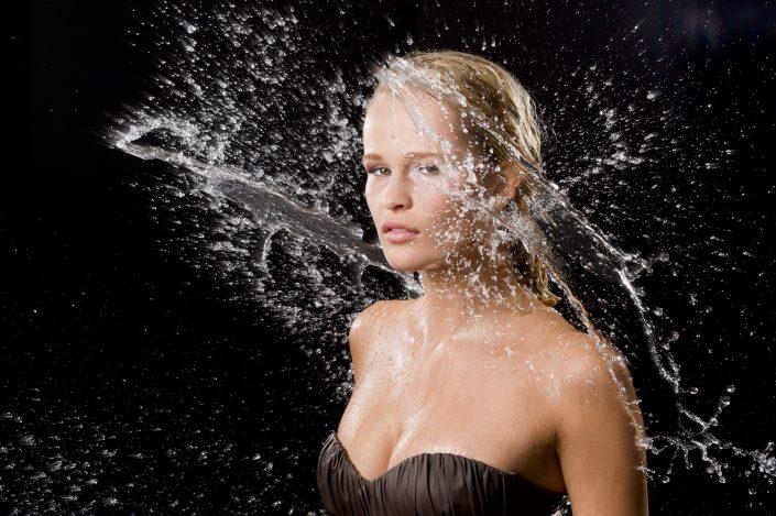 Model: Yente Eysker; MUA: Bahar Yildirim